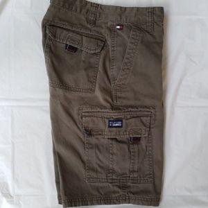 Tommy Hilfiger Cargo Shorts Army Green 16 Vtg EUC